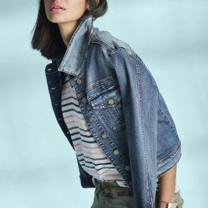 How to Wear a Denim Jacket in the Summer: 10 Outfit Ideas