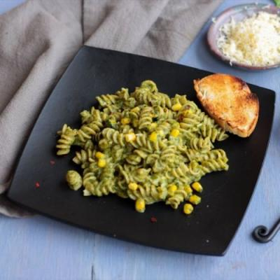 One Pot Creamy Spinach Pasta
