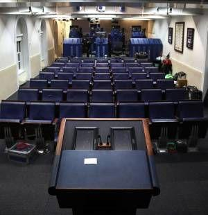 Packing boxes and tears: Mass exodus of staffers leave the White House - and the Obama years