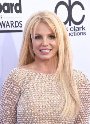 """Britney Spears Silences Critics Who Say She Lip Syncs, Literally Gives Them """"Something to Talk About"""""""