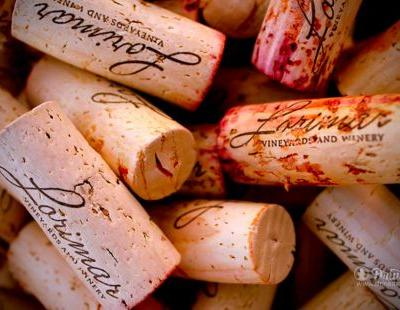 10 Signs You Joined The Right Wine Club