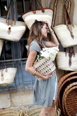 THE GIRL OF THE STRAW BAGS
