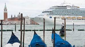 Cruise tourism increases while air visitor drops