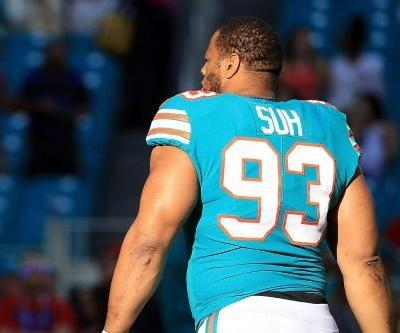Rams swoop in on Ndamukong Suh and make huge splash