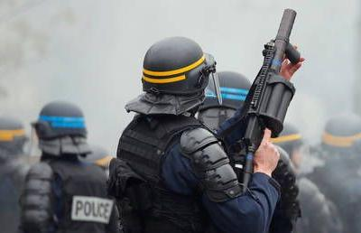 Police fire 'tear gas' at marchers in Nantes, France as nationwide strike against Macron's pension reforms rages