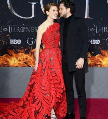 Kit Harington & Rose Leslie's Body Language At The 'Game Of Thrones' Premiere Is So Strong
