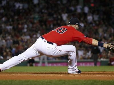 Red Sox first baseman leaves ALDS game with apparent leg injury