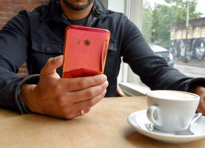 HTC U11 in Solar Red Launches in the US Tomorrow