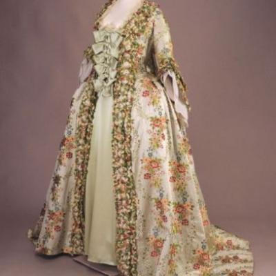 Robe à la françaisec.1765Fine Arts Museums of San Francisco