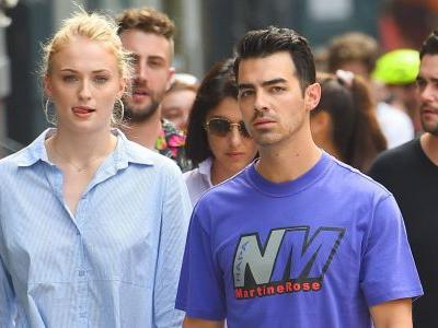 Sophie Turner and Joe Jonas Walking Hand-in-Hand in Soho is Total RelationshipGoals