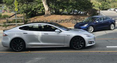 Tesla Model 3 Next To Model S In Traffic Puts Size Into Perspective