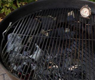 "How to Set Up the ""Snake Method"" for Low and Slow BBQ"