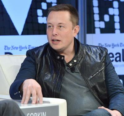 Elon Musk said it's 'financially insane' to buy a car that isn't electric and won't be able to drive itself - but there are 3 reasons why he might be wrong