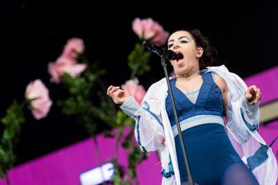 Watch Charli XCX Cover Spice Girls With Halsey At Lollapalooza