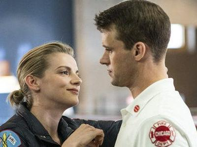 Why Chicago Fire Shouldn't Hook Up Casey And Brett After The Season 7 Finale