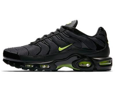 """Nike Gives the Air Max Plus a Sleek """"Neon"""" Makeover"""