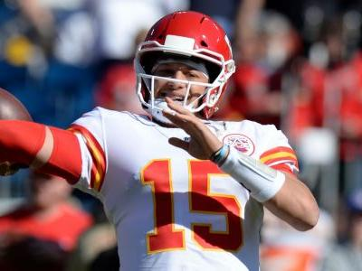 Patrick Mahomes' jump-pass touchdown once again proved he's unlike any other quarterback in the league