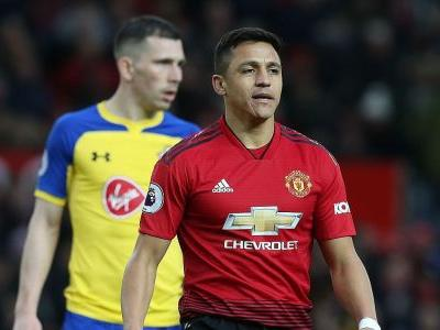 Manchester United's Sanchez faces up to two months out; misses PSG clash - sources