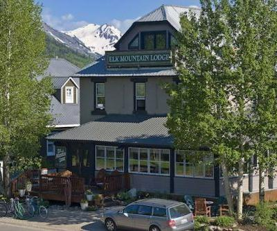 Elk Mountain Lodge: Throwback to Crested Butte Mining Heyday