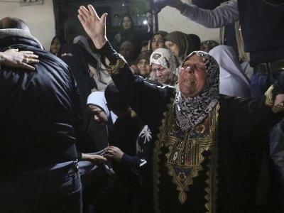 Palestinians stream to Gaza tent camps for mass protests