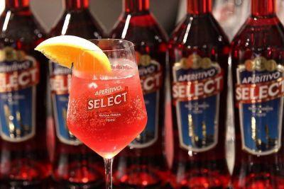 Meet the Distillery: Select Aperitivo