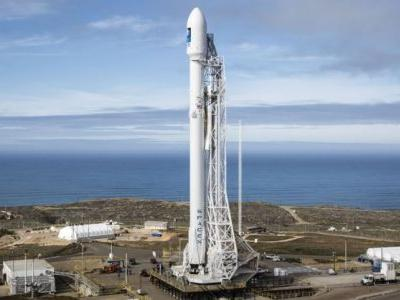 SpaceX launches UberPool-style ridesharing for small satellites