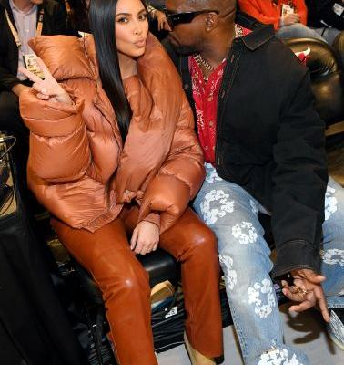Kim Kardashian & Kanye West's Kiss Cam Moment Was Pretty Awkward