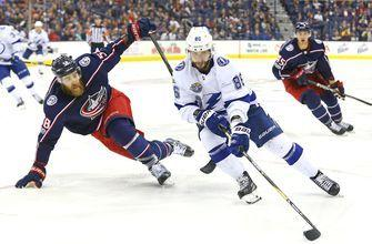Lightning shock Blue Jackets in Columbus, 2-0