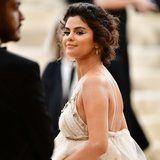 Selena Gomez's Feelings About Her Met Gala Tan Can Be Summed Up in a Single Shrug