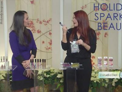 HOLIDAY SPARKLE IN YOUR BEAUTY ROUTINE
