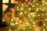 12 Simple Holiday Traditions Your Family Can Embrace This Year