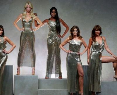 Versace Stages Epic '90s Supermodel Reunion On The Runway
