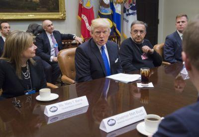 Ford, GM and FCA CEOs meet with Trump to discuss regulation and job creation