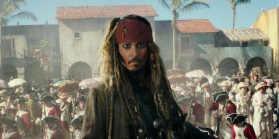 Watch Johnny Depp Dress As Captain John Sparrow And Visit Kids In The Hospital