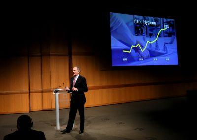 Cleveland Clinic CEO Toby Cosgrove announces plans to step down