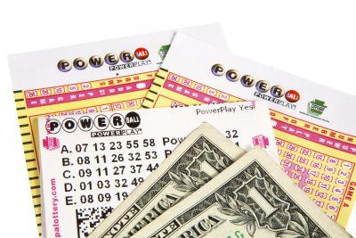 Powerball jumps to $650M after no one wins