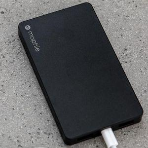 New Powerstation from mophie can charge itself with a Lightning cable