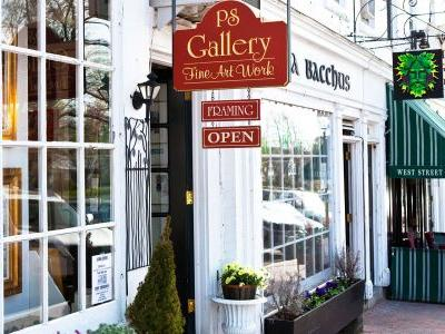 Fan of Leaf Peeping, Antiquing and Apple Picking? Hit the Road on a Fall Day Trip from NYC