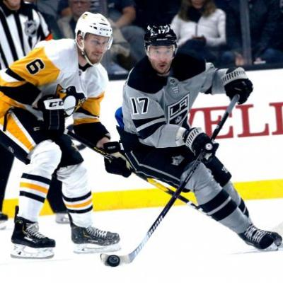 Quick gets 301st win as Kings beat Penguins 5-2