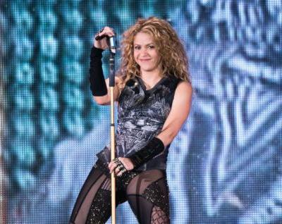 """Watch Shakira Cover Green Day's """"Basket Case"""""""