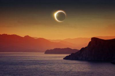 Twitter joins the eclipse party with full coverage of the celestial spectacular
