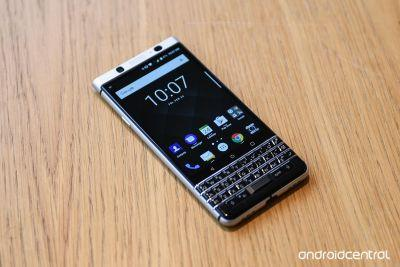 BlackBerry KEYone hands-on: Your dad's favorite Android phone