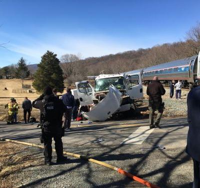 1 dead as truck strikes train carrying members of Congress; no serious injuries to lawmakers