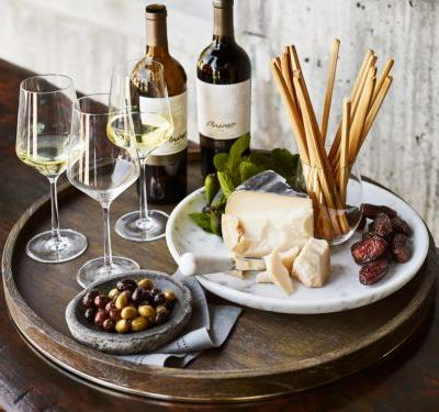 5 Tips for Hosting the Best Harvest Wine Tasting Party Ever