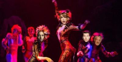 'Cats' Movie Adaptation Will Star Taylor Swift, Jennifer Hudson, James Corden, and Ian McKellen