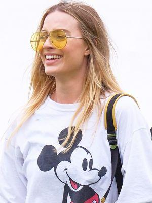 Margot Robbie's Music Festival Legging Outfit Is So Chill