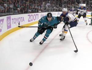 Karlsson scores 1st goal with Sharks in 4-0 win over Blues