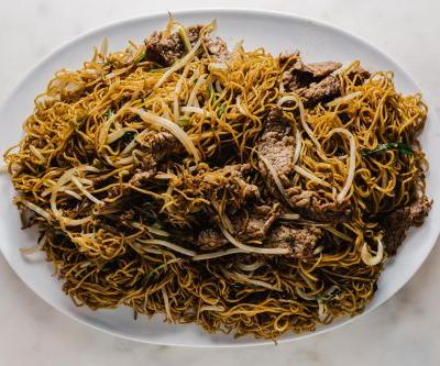 The Difference between Light and Dark Soy Sauce and a Soy Sauce Chow Mein Recipe
