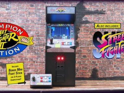 This mini Street Fighter II arcade cabinet is retro gaming goals