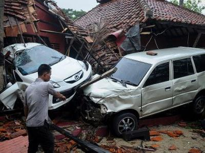 Indonesian tsunami death toll reaches 280 as Médecins Sans Frontières reports the count will rise for several more days
